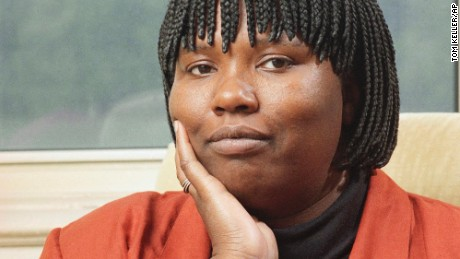 """FILE - In this Oct. 9, 1992 file photo, Gloria Naylor, author of """"The Women of Brewster Place,"""" poses at her home in New York. Naylor's death was confirmed, Monday, Oct. 3, 2016, by Cara Reilly, an assistant at the literary agency Sterling Lord Literistic. Reilly provided no other details. Naylor was 66. (AP Photo/Tom Keller, File)"""