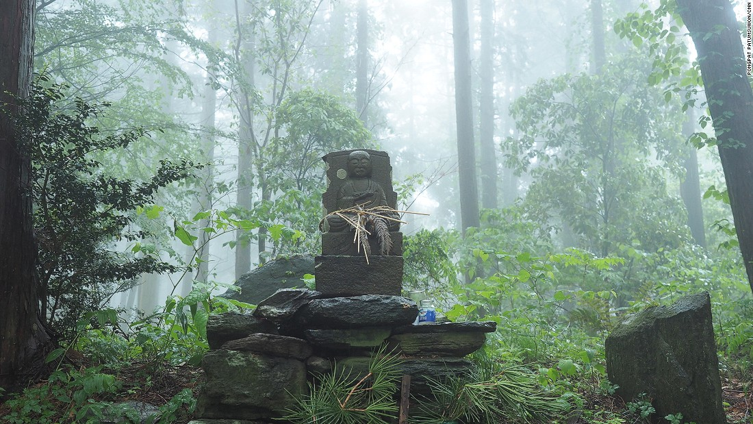 The Koyasan Choishi Michi trail is filled with shrines and deities.