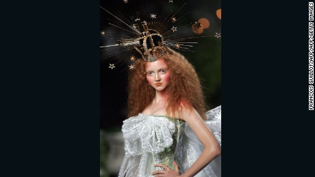 Paris, FRANCE:  A model presents a creation by British designer John Galliano for Dior during the Autumn/Winter 2005-06 Haute Couture collections, 06 July 2005, in Paris. AFP PHOTO    FRANCOIS GUILLOT  (Photo credit should read FRANCOIS GUILLOT/AFP/Getty Images)