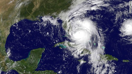 Hurricane Matthew making its way to US