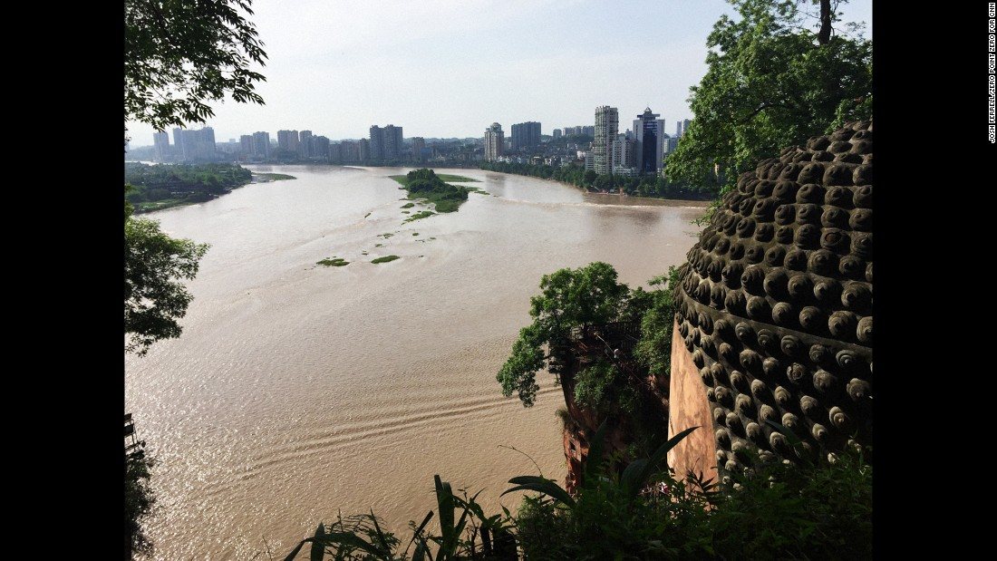 The area around the statue, which is 71 meters high (233 feet), provides a sweeping look back on the city of Leshan.
