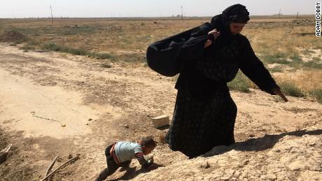 Iraq: Families flee ahead of battle for ISIS-held Hawija