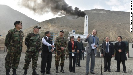 Peru's Ministry of Interior burns 7 tons of illegal drugs, the first for this new government.