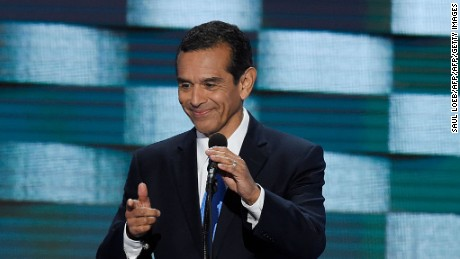 Former Los Angeles mayor Antonio Villaraigosa addresses delegates on the fourth and final day of the Democratic National Convention at Wells Fargo Center on July 28, 2016 in Philadelphia, Pennsylvania.   / AFP / SAUL LOEB        (Photo credit should read SAUL LOEB/AFP/Getty Images)