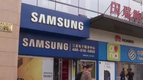 Samsung Woes in China Matt Rivers_00005430.jpg