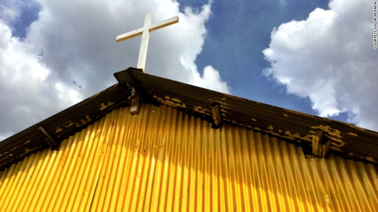 Churches and mosques across Kenya are being painted yellow in an effort to bring the country's religious communities together.