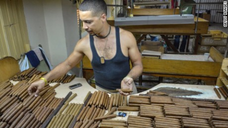 Cuba Obama eases trade restrictions Oppmann lkl_00005705