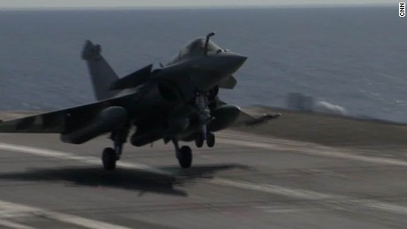 French aircraft carrier fighting ISIS