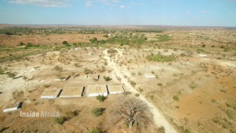 inside africa madagascar famadihana spc a_00015216.jpg