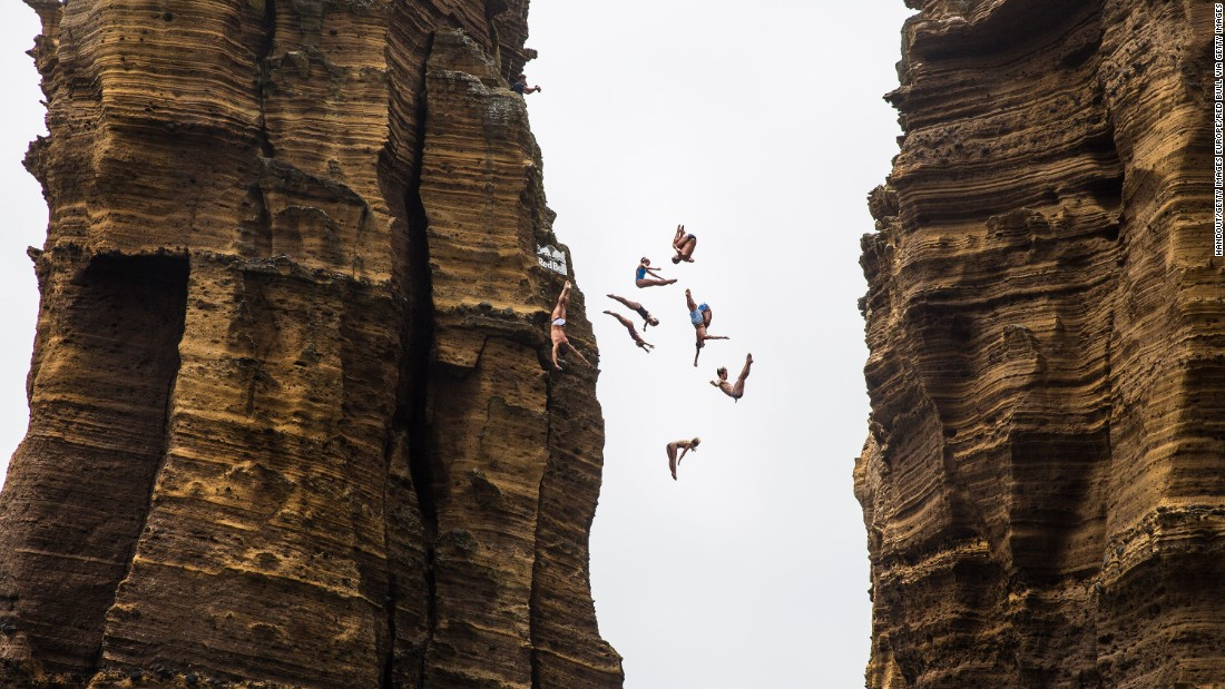 Nine divers jump 22 meters off a sea stack at Islet Franca do Campo prior to July's third stop in Portugal, where Hunt and Australian rookie Rhiannan Iffland -- who leads the women's championship -- both triumphed.