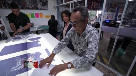 cnnee pkg preview fuerza en movimiento el salvador textil gabriela frias_00020029