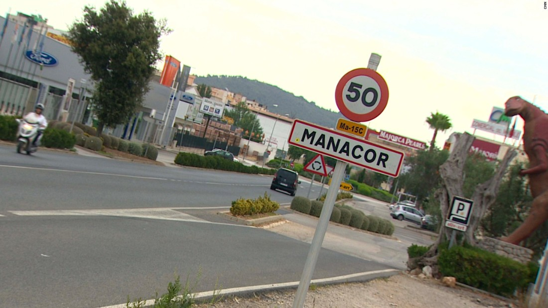 Manacor is known for its pottery, furniture and textiles.