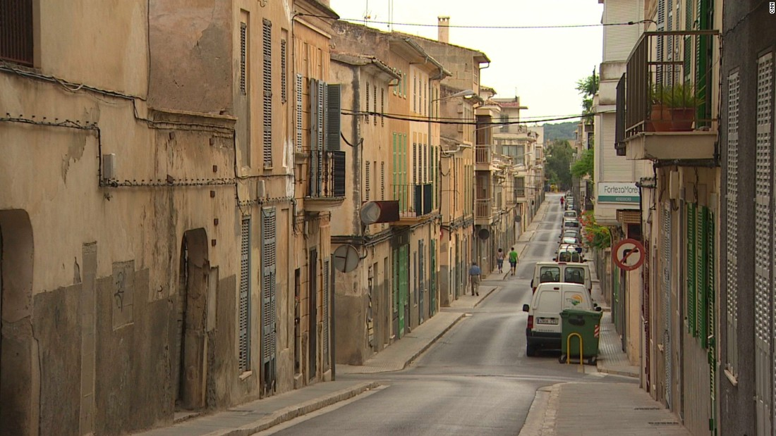 Unlike the island's glitzy tourist resorts, Manacor is more reflective of everyday Spanish culture.