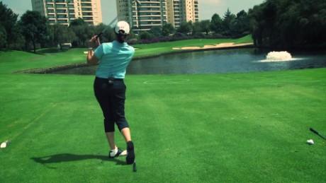cnnee vive golf leccion lorena jugar entorno del agua_00001917.jpg