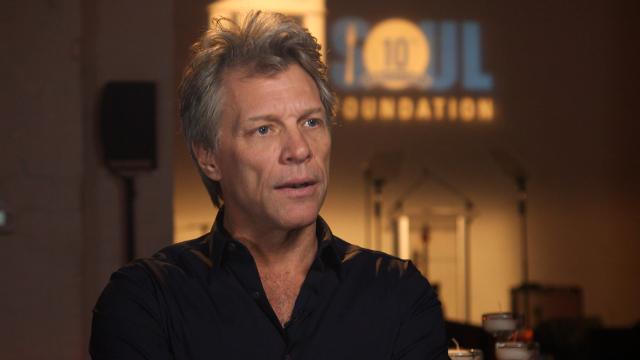 Afbeelding bij Bon Jovi's pay-it-forward mission