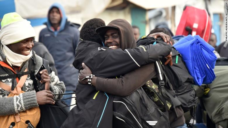 Calais Jungle加来丛林难民营被拆除 - wuwei1101 - 西花社
