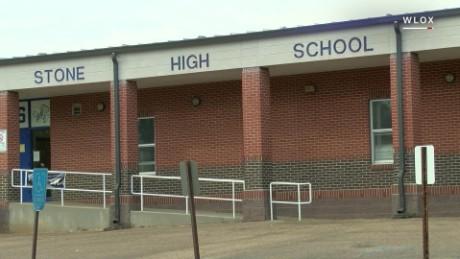 Noose accusation rocks Mississippi high school pkg_00004409.jpg