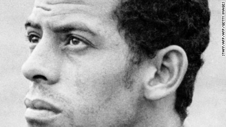MEXICO CITY, MEXICO - MAY 29:  Portrait of Brazilian national soccer team defender Carlos Alberto taken 29 May 1970 in Mexico City, two days before the opening of the World Cup. AFP PHOTO  (Photo credit should read STAFF/AFP/Getty Images)