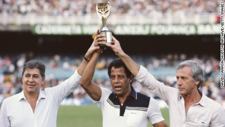 BRAZIL - JUNE 10: The three Brazil captains who won the Jules Rimet FIFA World Cup hold the trophy, from left to right Mauro (1962) Carlos Alberto (1970) and Hilderaldo Bellini (1958) at the Maracana Stadium in Rio, Brazil.  (Photo by David Cannon/Allsport/Getty Images)