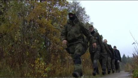 poland militia tensions russia pkg robertson wrn_00021912.jpg