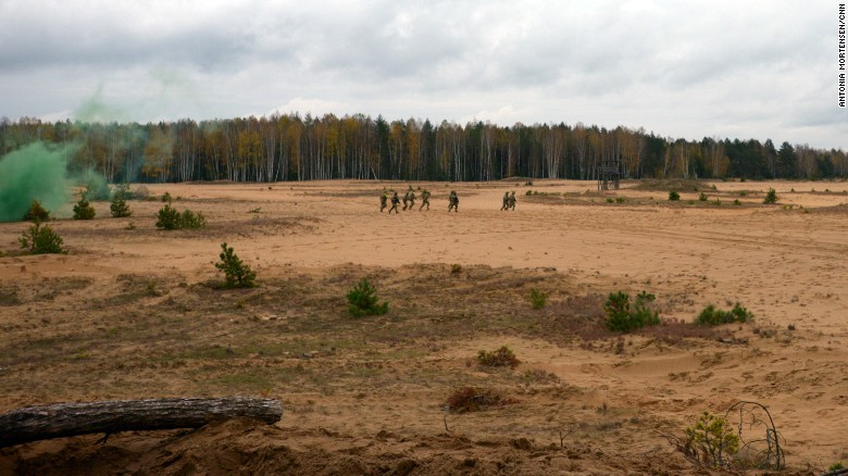 Lithuanian conscripts training alongside US soldiers on a live firing exercise