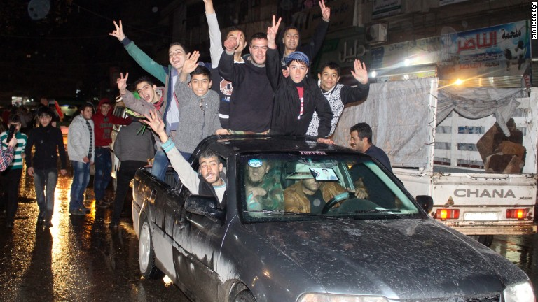 Sources announce Aleppo ceasefire, evacuation deal