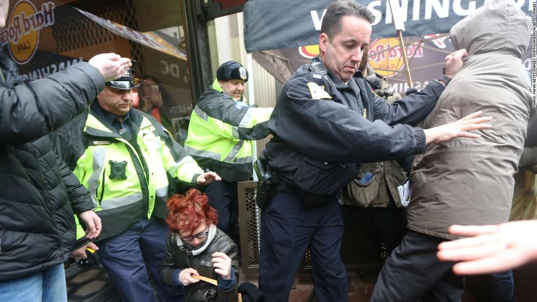 Anti-Trump demonstrators clash with DC police