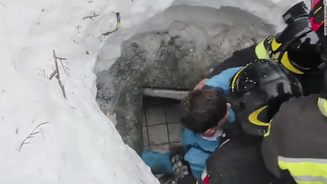 Survivors rescued after Italy avalanche