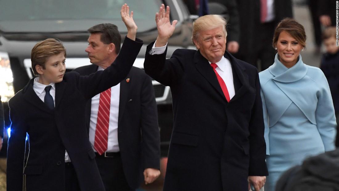 Trump family greets crowd at inaugural parade