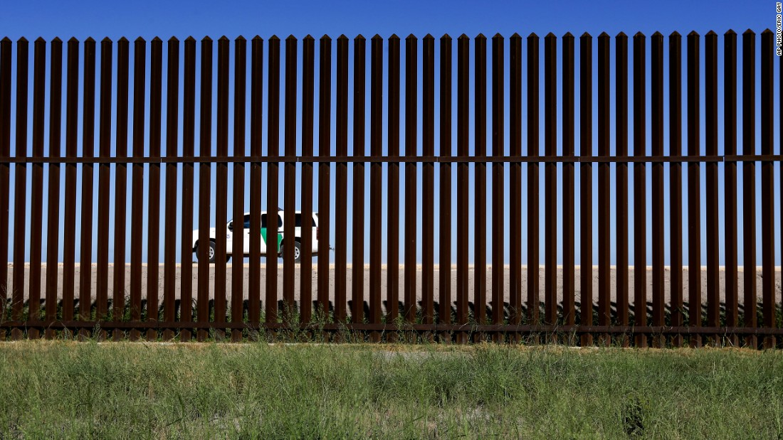 Experts recommend fence, not wall