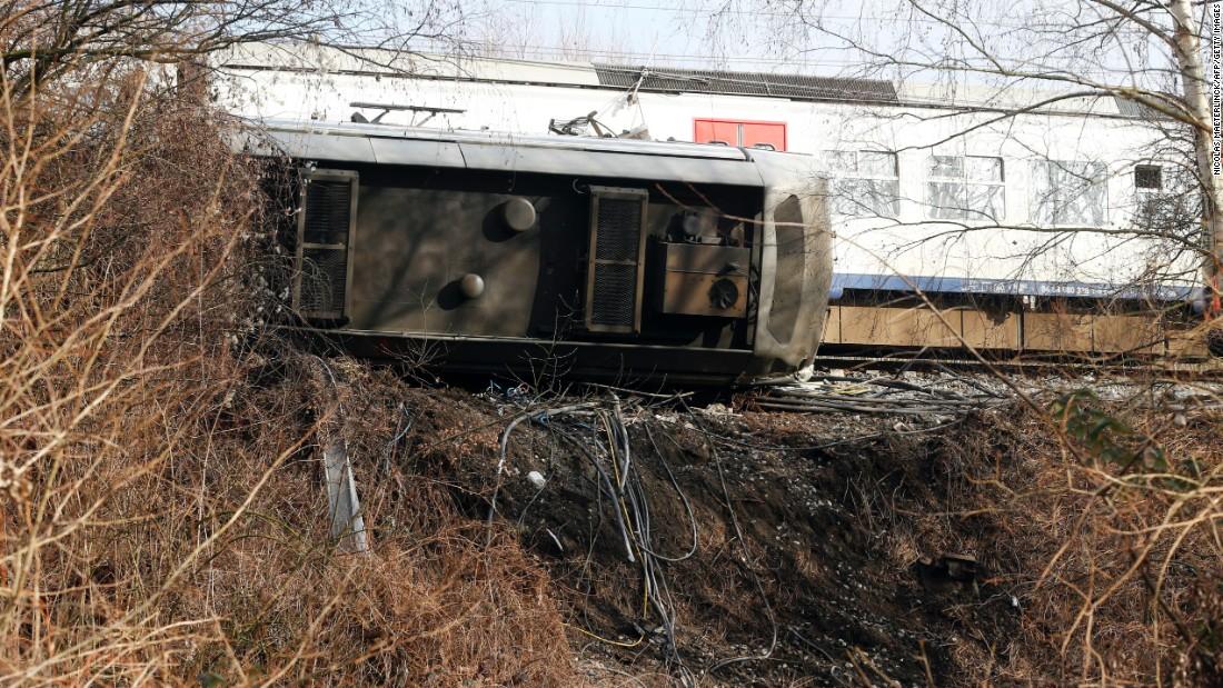 1 killed in Belgium train derailment