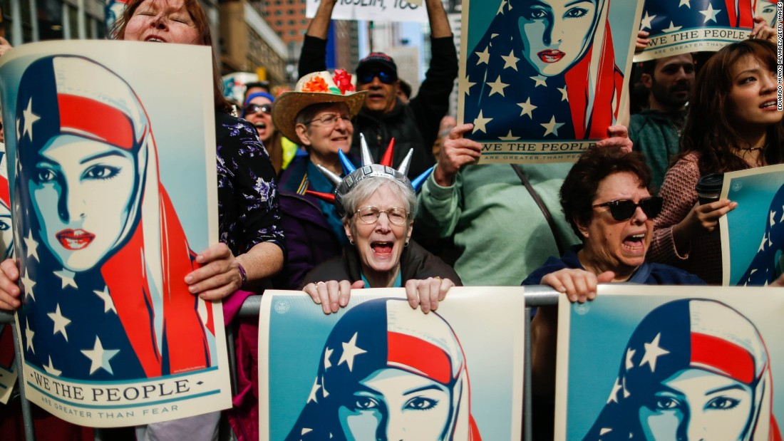 New Yorkers hold 'I am a Muslim, too' rally