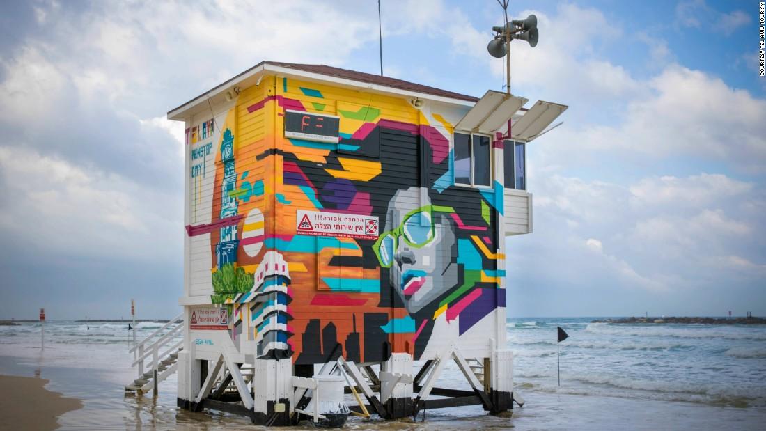 Tel Aviv's cool lifeguard stand 'hotel'