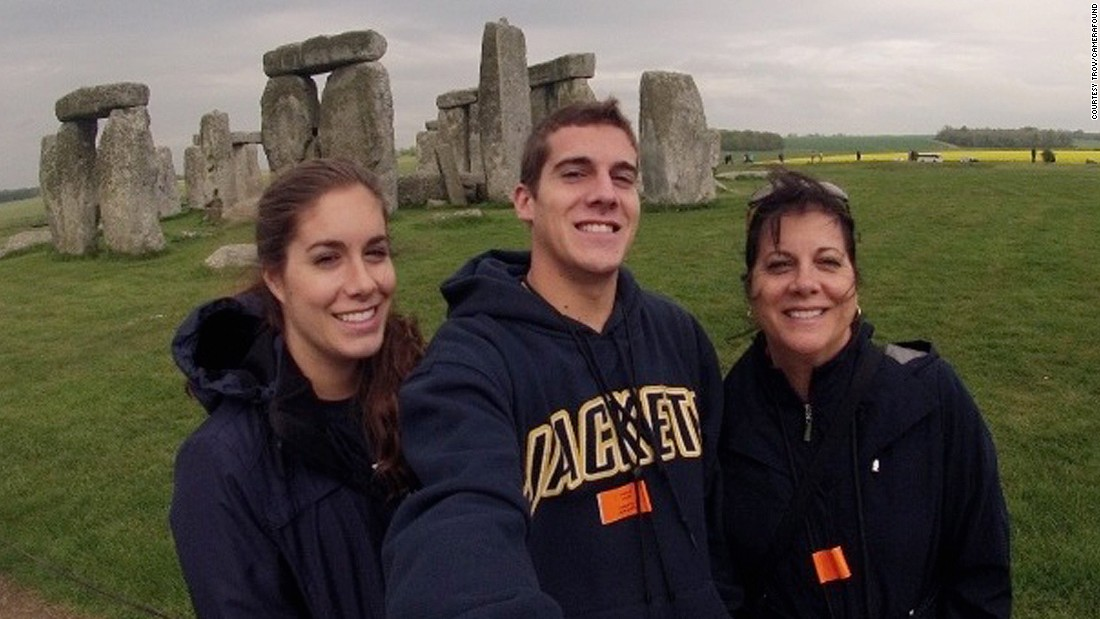 Can you solve the Stonehenge photo mystery?