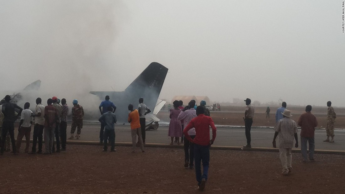 All on board survive S. Sudan crash landing
