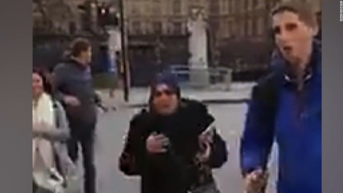 Moment gunshots go off in London attack