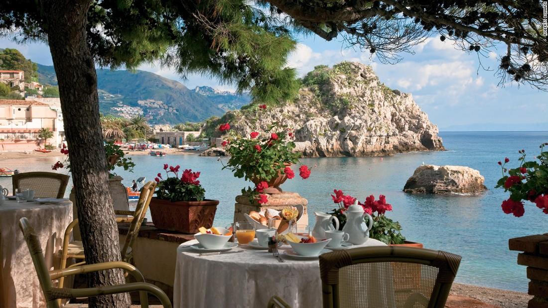 The world's most beautiful island hotels