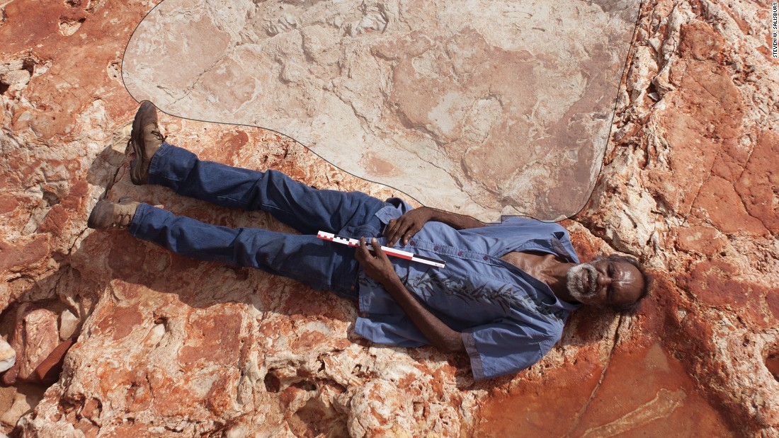 World's biggest dinosaur footprint found