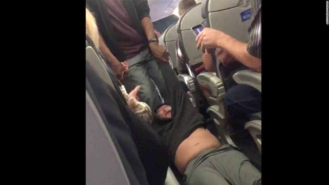 Removal of air passenger: Officers fired