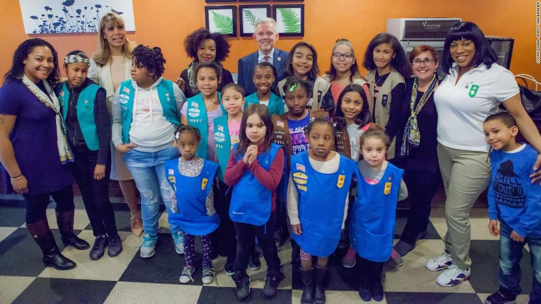 Homeless girls bond in Girl Scout Troop 6000