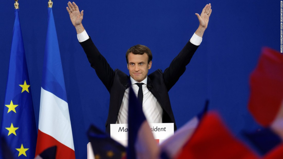 Euro jumps as Macron becomes front runner