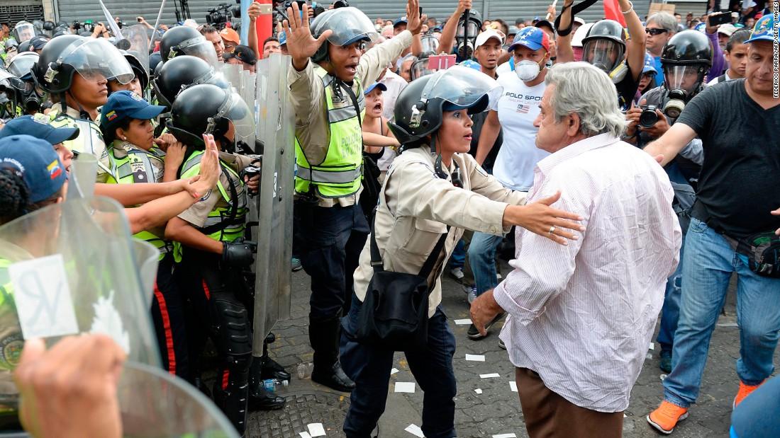 Riot police block Venezuela's 'Grandparents' March'