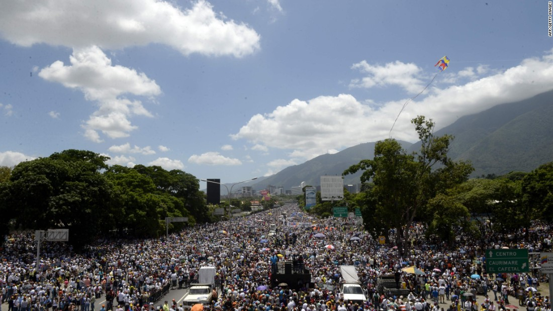 Mass rally, violent clashes on 50th day of protests in Venezuela