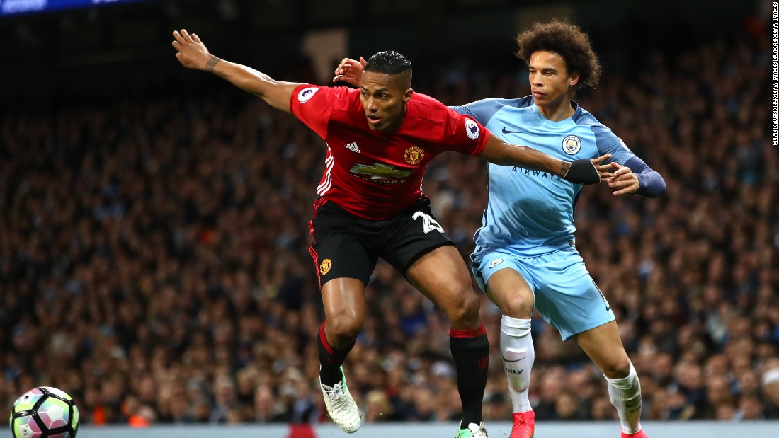 Manchester United and Manchester City donate $1.3 million to emergency fund