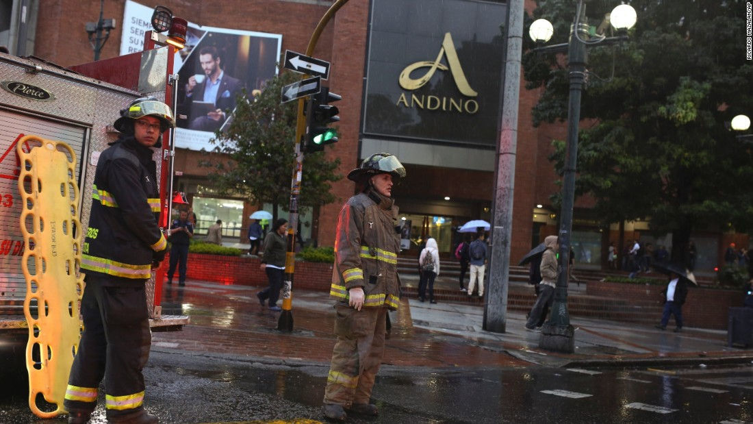 Explosion kills 3 at a mall in Colombia