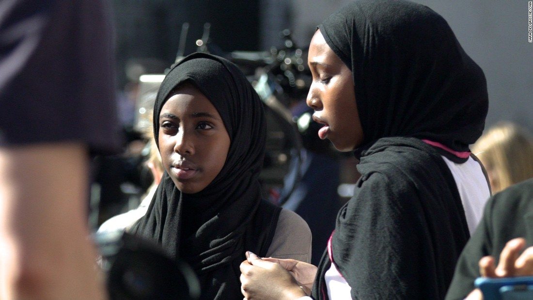 park river single muslim girls We would like to show you a description here but the site won't allow us.