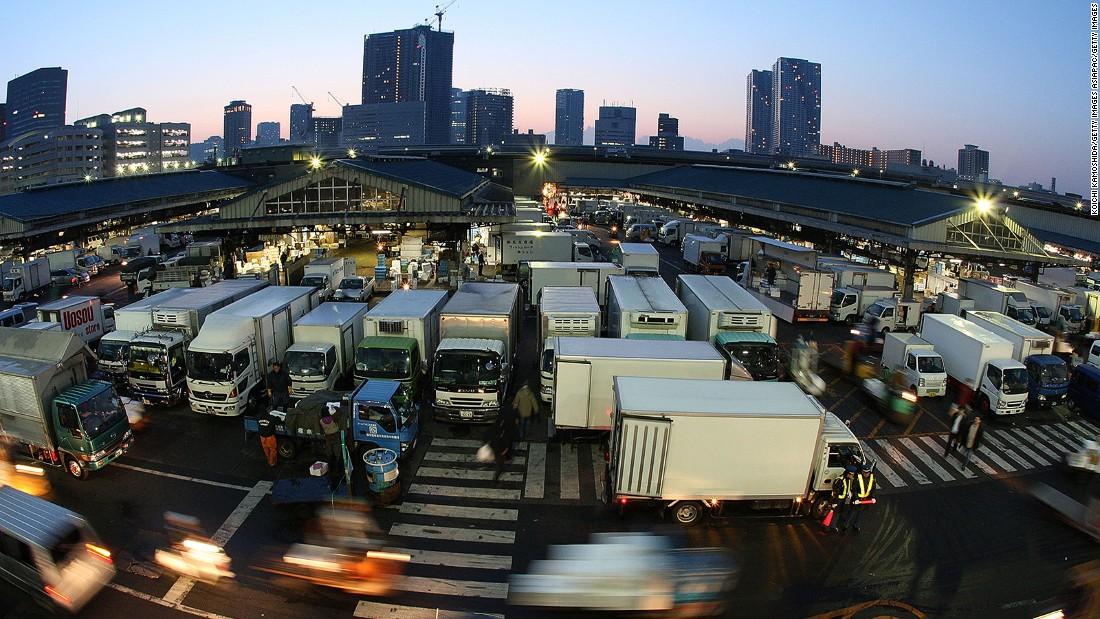 Japan's Tsukiji Fish Market to become a food theme park?