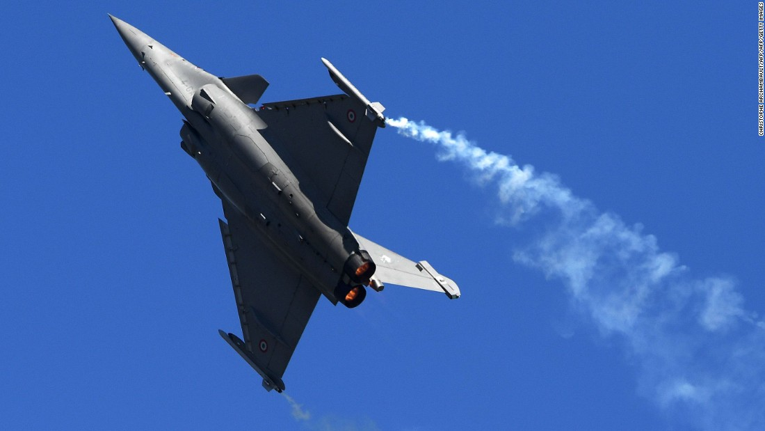 Paris Air Show: Jaw-dropping feats