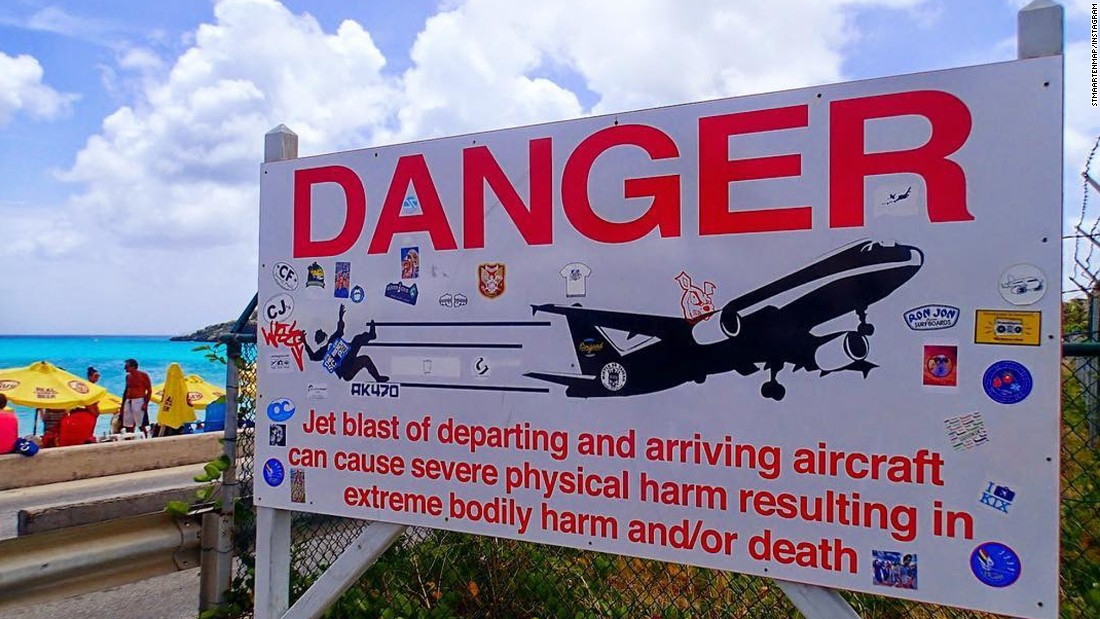 Jet blast from a plane kills a tourist at a Caribbean airport