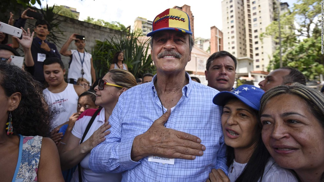 Mexico's Vicente Fox banned from Venezuela